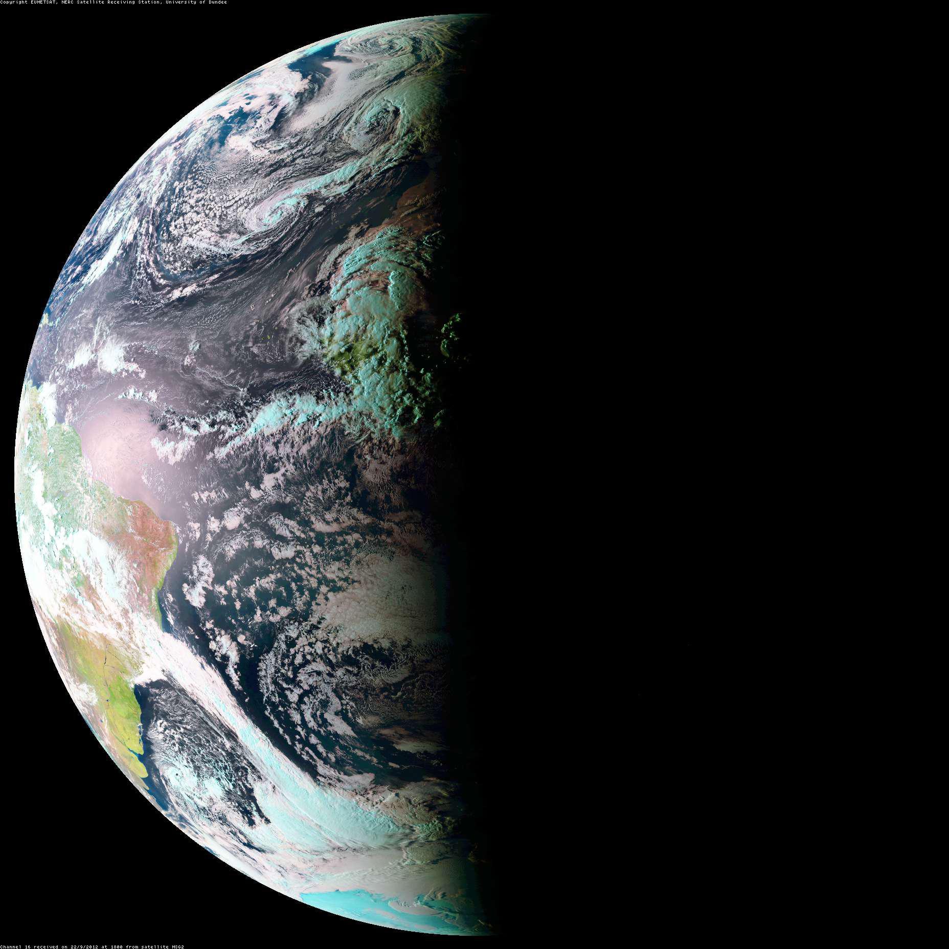 Вид Земли из космоса во время равноденствия