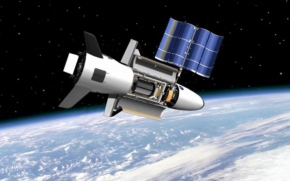 Секретный орбитальный самолет X-37B заметили на орбите