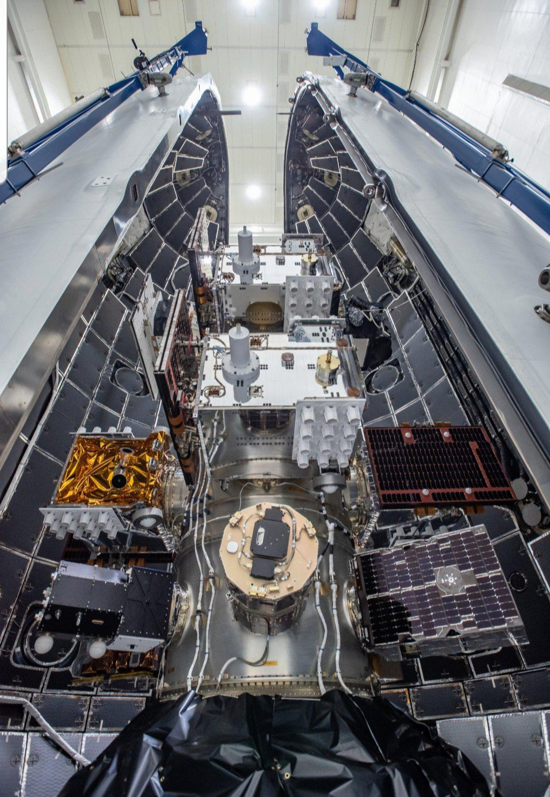 spacex heavy fairing recovery - HD828×1200
