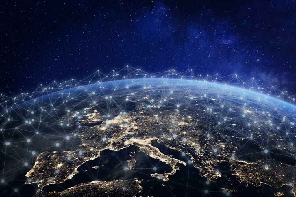 Amazon подал заявку на запуск 3236 спутников