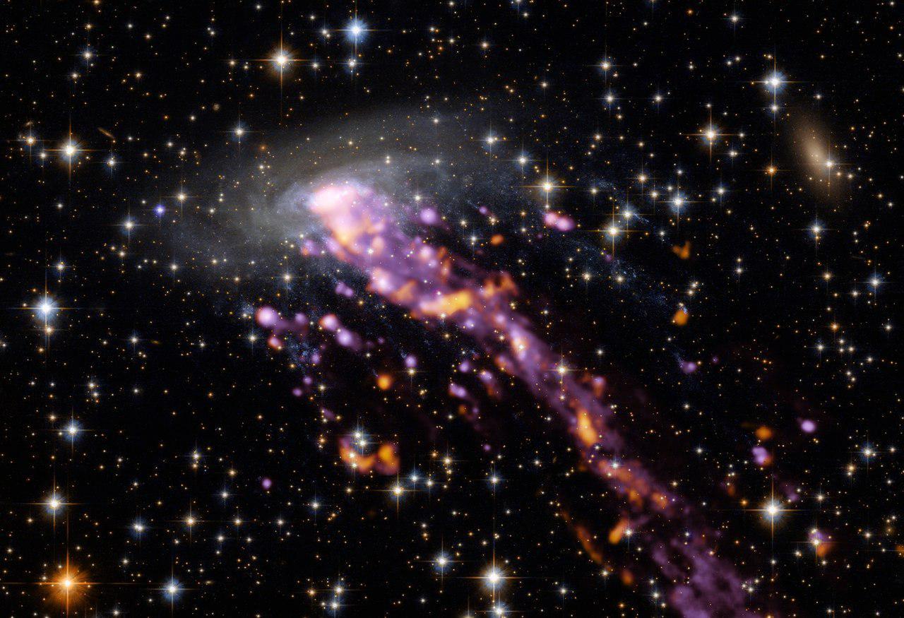 ALMA исследовал «космическую медузу»