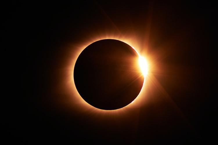 Прямая трансляция солнечного затмения 2021