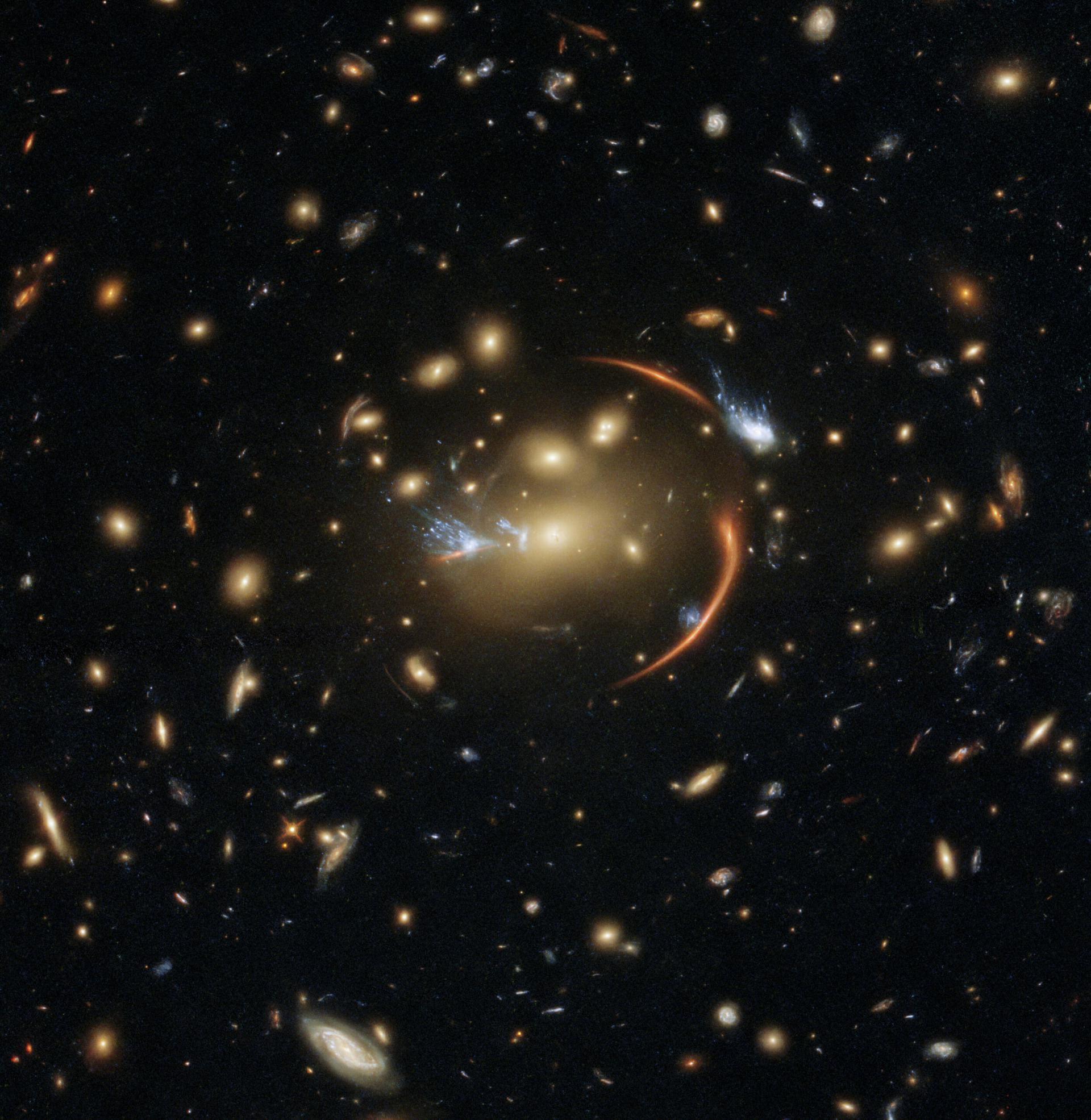 Hubble сфотографував гравітаційну лінзу